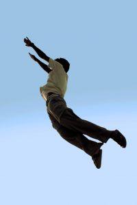 Летящий мужчина